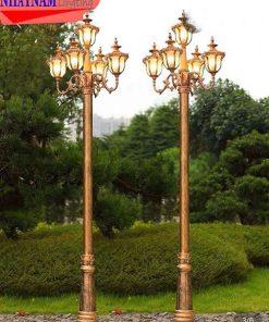 Đèn cột sân vườn
